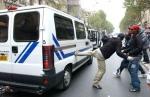 racailles-contre-car-police2.jpg