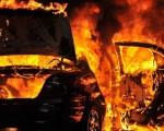 voiture feu.jpg
